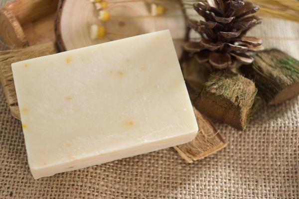 【HEEBE 希臘女神】嬰兒及敏感肌專用皂-金盞花杏仁油橄欖皂 1