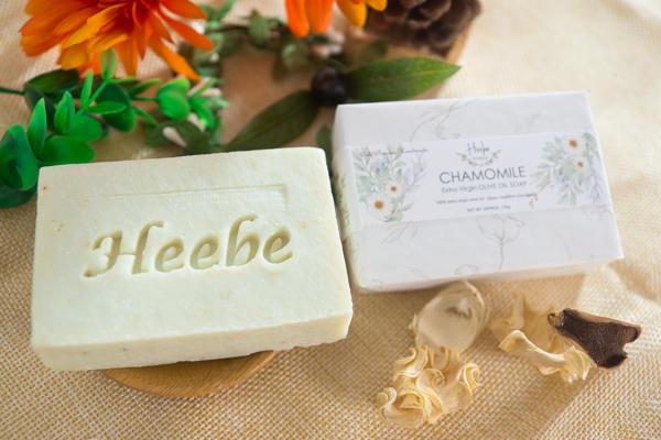 【HEEBE 希臘女神】基礎保濕組 (經典橄欖皂*1+洋甘菊橄欖皂*1) 3